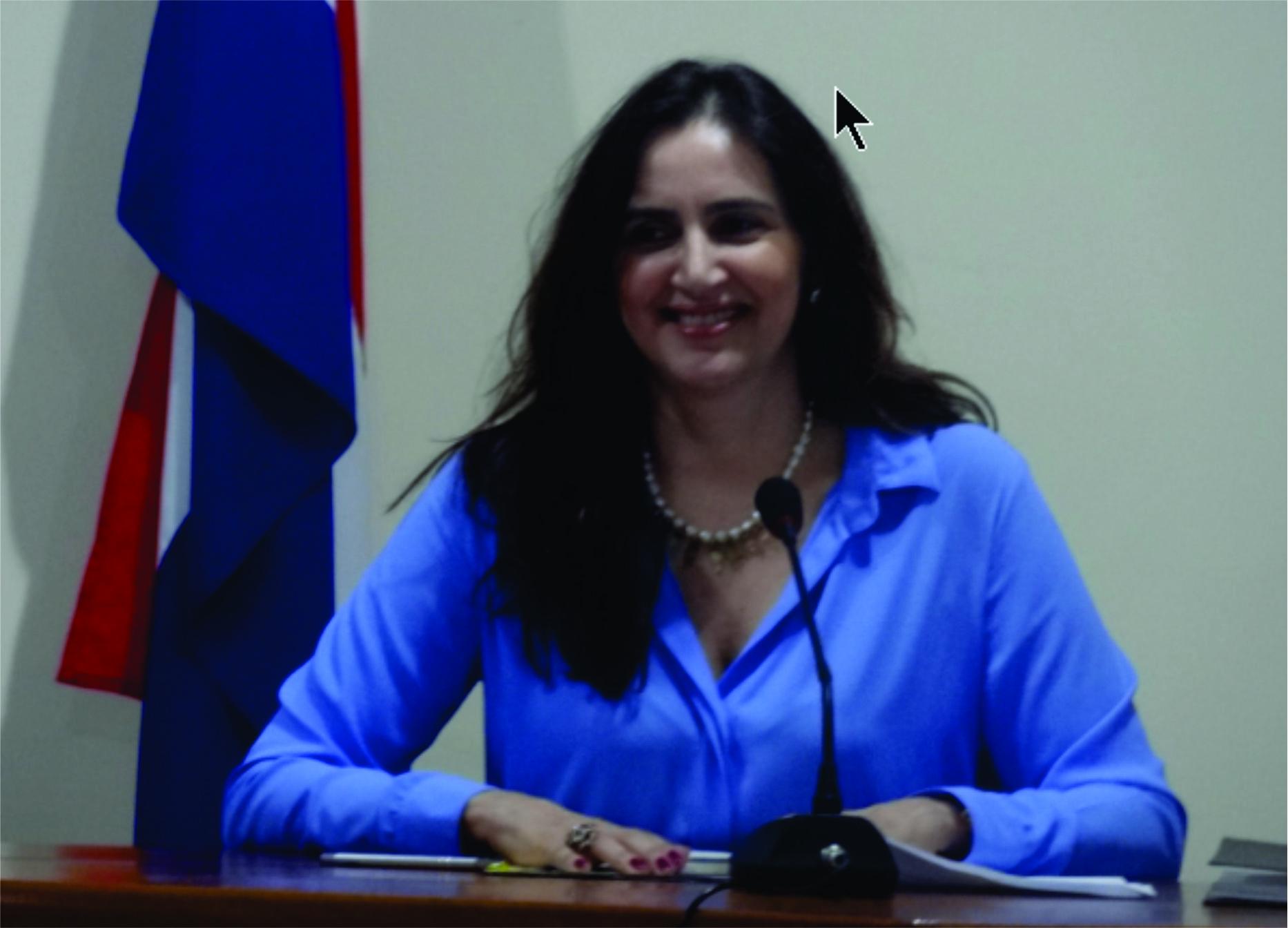 Pavimentação asfáltica na sede do município foi uma solicitação da vereadora Carla Lopes